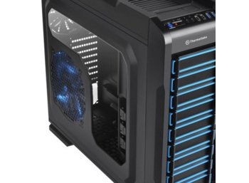 Thermaltake Chaser A71 Big Tower USB3.0 Window HDD Dock (1x120mm 3x200mm, LED) czarna